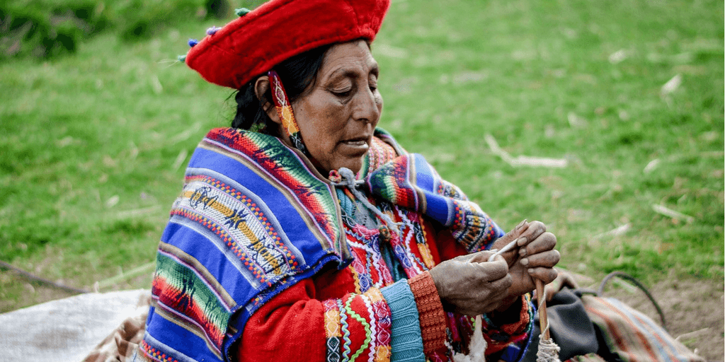 collect Peruvian souvenirs when you volunteer abroad