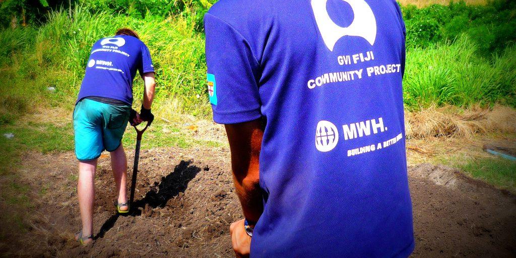 GVI volunteers work to set up a vegetable garden in Fiji.