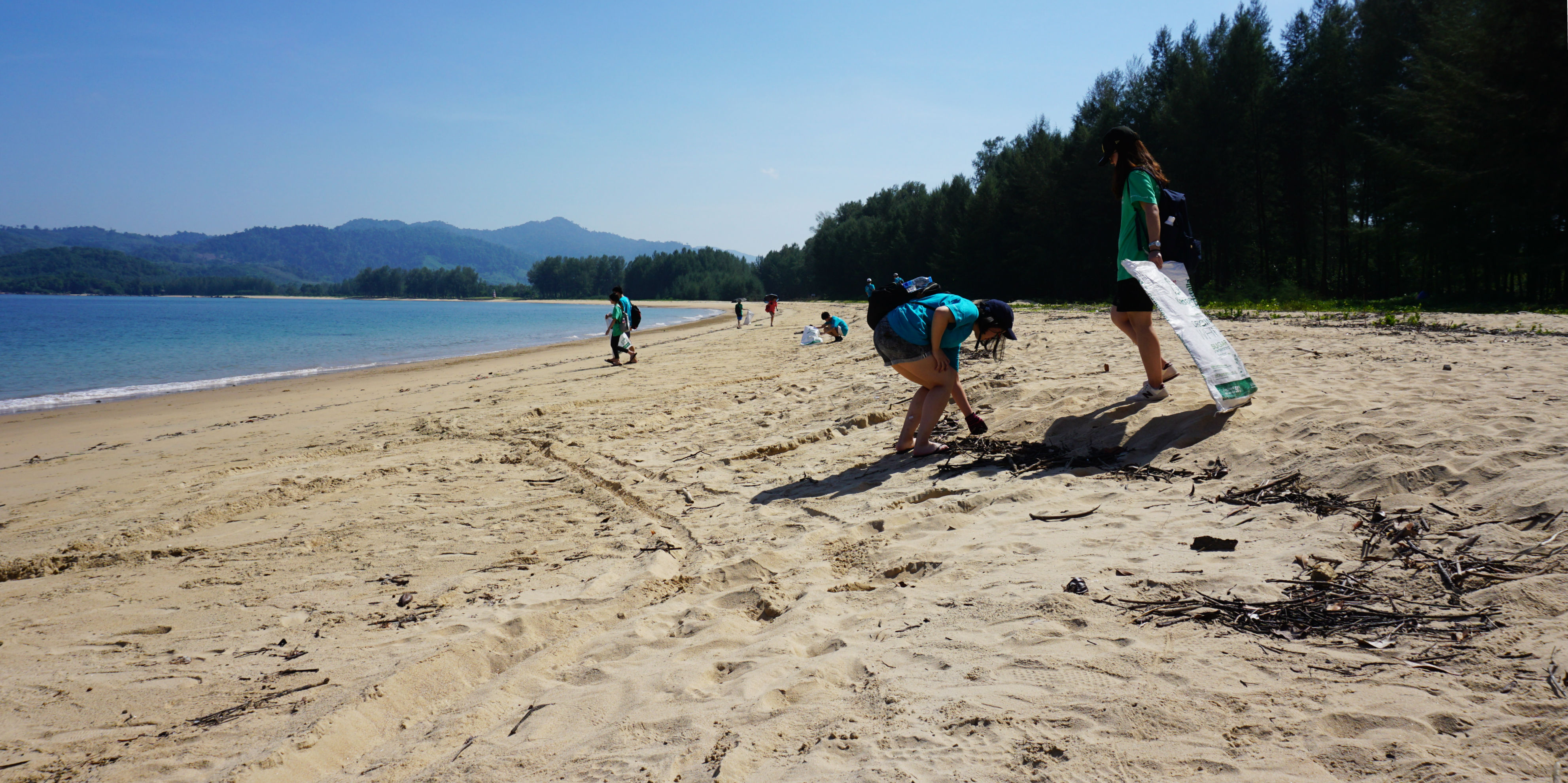 GVI participants work to combat plastic pollution at a beach clean in Phang Nga.