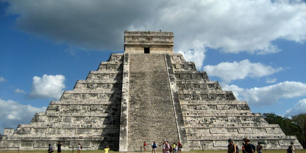 Archeological sites such as Chichen Itza offer a brief sighting into the Mayan and Mesoamerican culture.