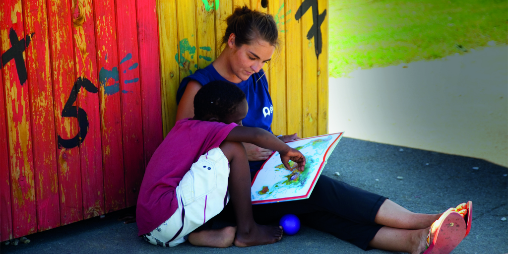 Volunteer this holiday season with children in Cape Town, South Africa
