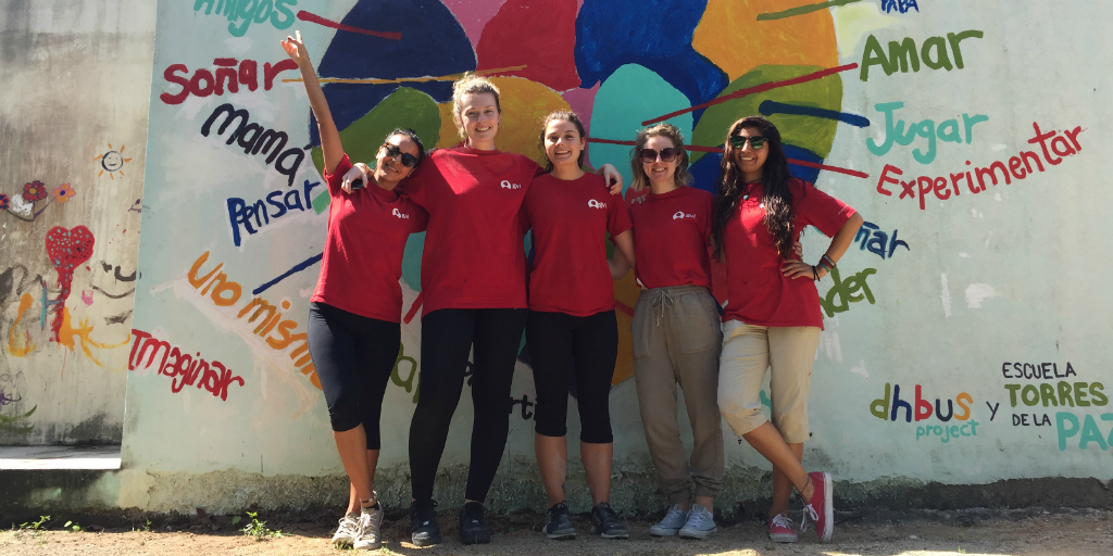 Make lifelong friendships with other volunteers when you volunteer abroad.