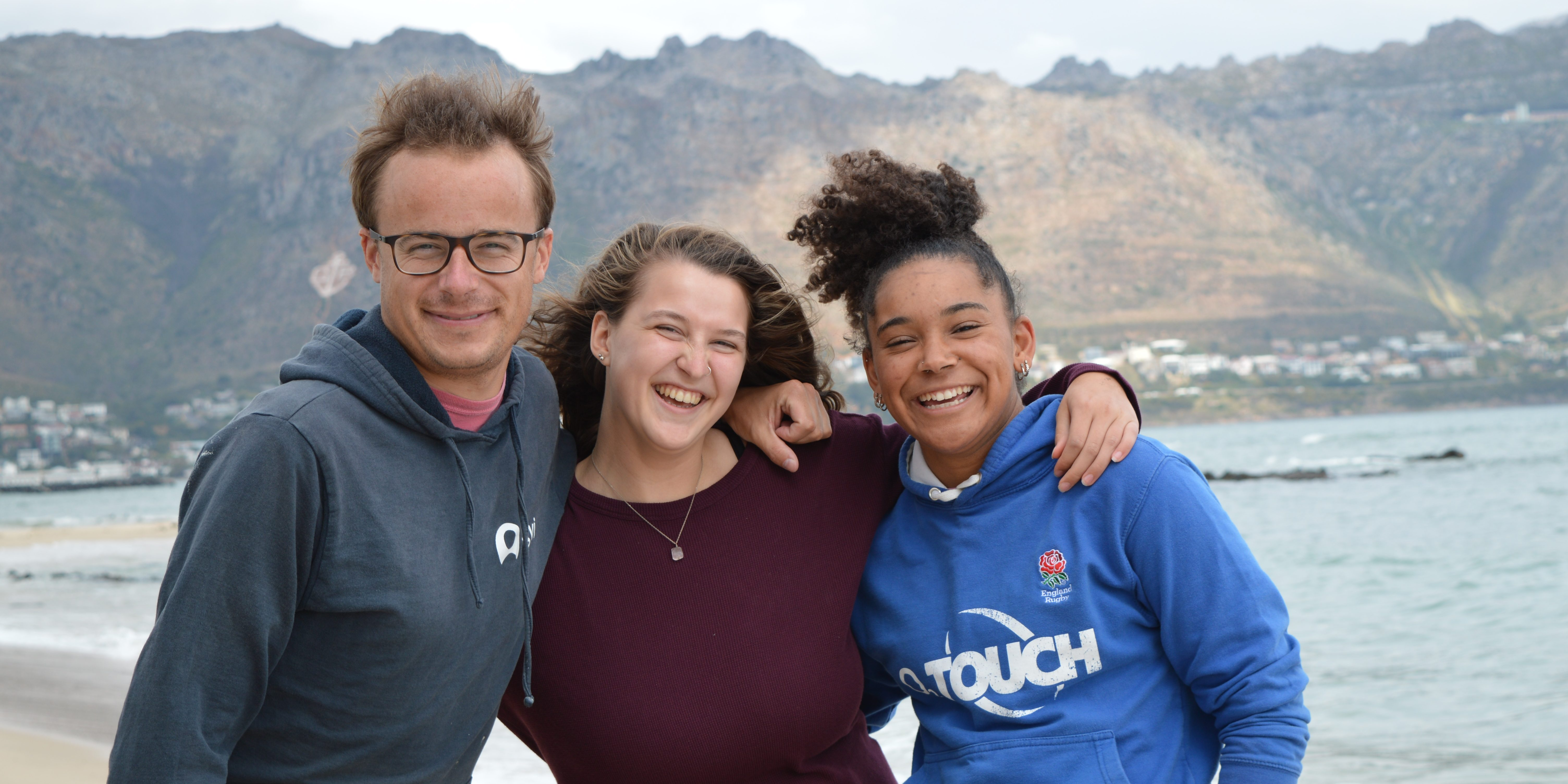 Volunteers in Cape Town enjoy time on the beach.