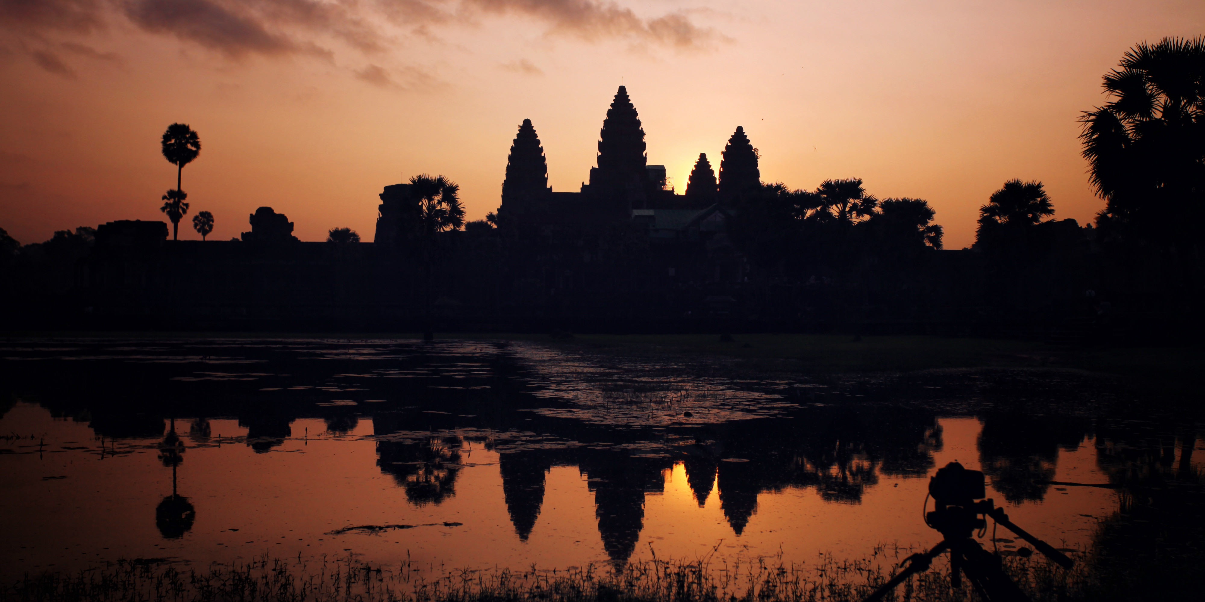 Seeing the Ankor Wat temple at sunrise is one of the best things to do when you take a gap year.