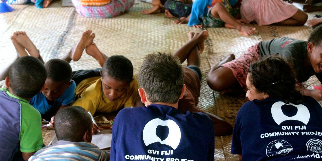 volunteer in Fiji with children